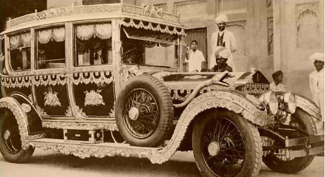 palace_on_wheels https://plus.google.com/101879794696332944486/posts Maharaja of Patiala (Bhupinder Singh)