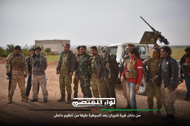 """FSA makin dekati kota al-Bab  Pejuang Sunni FSA melawan teroris ISIS  Pesawat tempur Turki menyerang 15 sasaran di kota al-Bab provinsi Aleppo Suriah Minggu (13/11). Serangan dilakukan dalam operasi bersama FSA untuk mendesak ISIS ke selatan. Seperti disampaikan pihak militer Turki hari Senin (14/11). Presiden Tayyip Erdogan mengatakan merebut al-Bab adalah salah satu tujuan utama sebelum menargetkan Manbij (dikuasai YPG-SDF) dan """"ibukota"""" ISIS di Raqqah. Sepuluh wilayah pertahanan milik…"""
