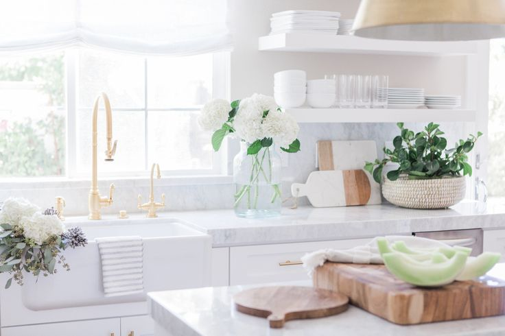 Chic White Kitchen with gold hardware 13
