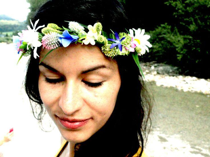 Blumenkranz,Blumenkrone,Hochzeitskrone,Haarschmuck von TatjanaRichartz Friseurmeister&Maskenbildnerin auf DaWanda.com