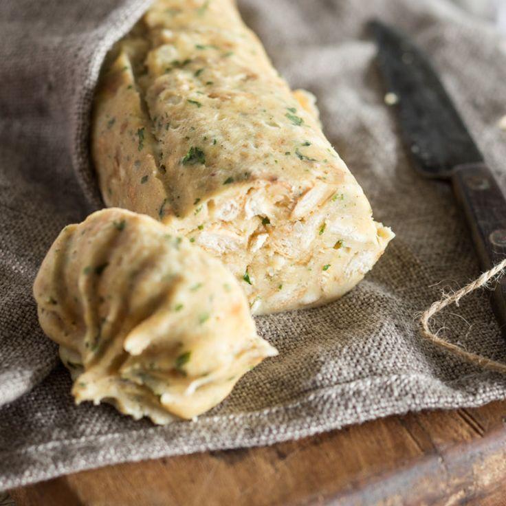 Wieso zur Fertigvariante greifen, wenn man Kartoffelklöße auch einfach selber machen kann? Mit diesen Tipps gelingen dir frische Knödel kinderleicht.