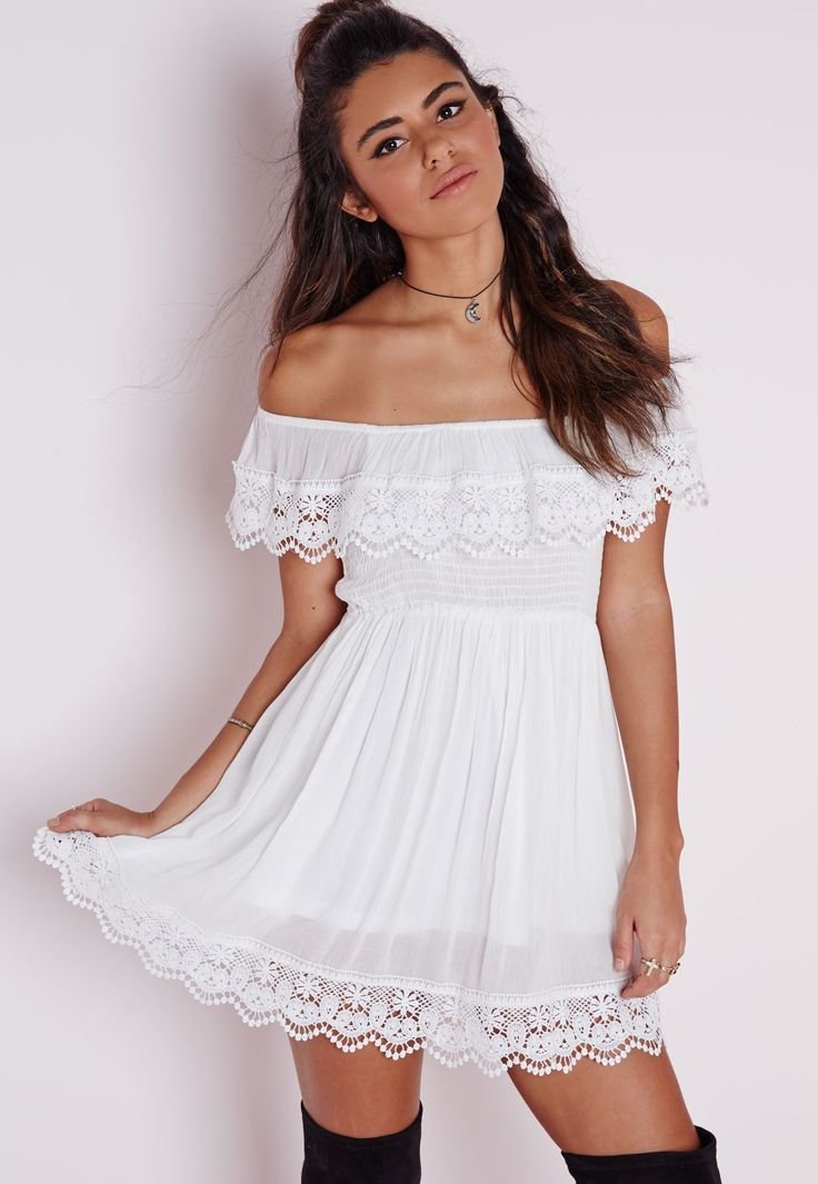 Robe patineuse blanche à col bateau - Robes - Robes patineuses - Missguided
