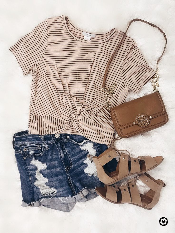 My go to summer outfit staple style! Must have bag to go with EVERYTHING! 🙌🏻