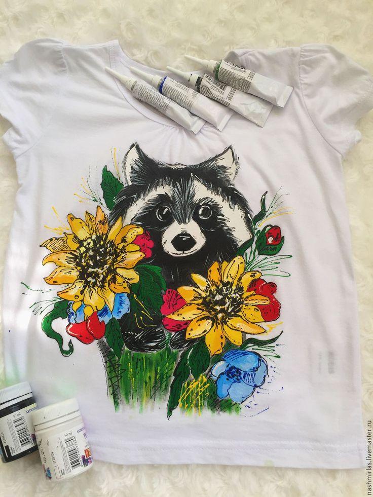 Купить Енот - белый, животные, енот, цветы, рисунок по ткани, рисунок на ткани, рисунок на футболке