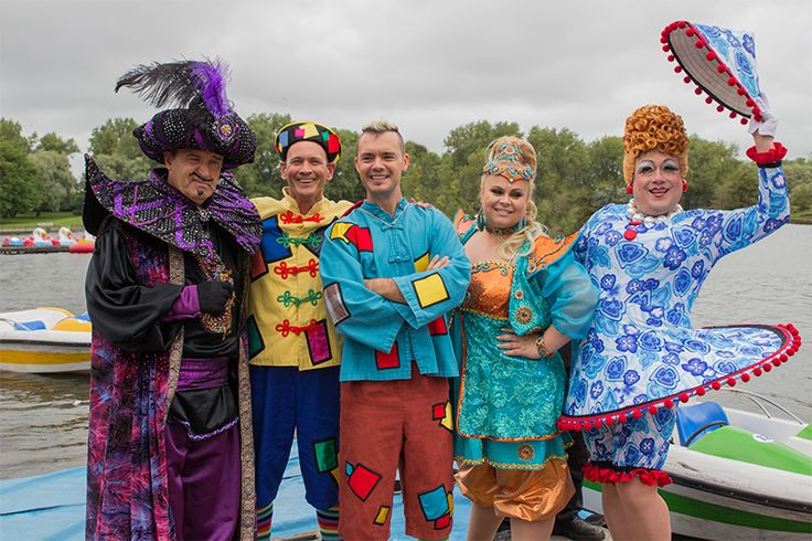 Everybody loves our #GRANDPanto cast and our #GRANDPantoLaunch! #Blackpool https://www.blackpoolgrand.co.uk/event/aladdin/
