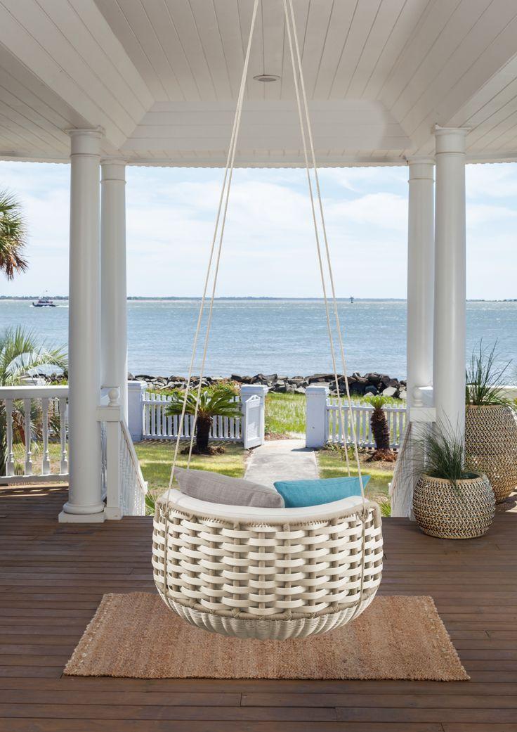 Ας κάνει ακόμη κρύο. Εμας, τα μάτια μας είναι στραμμένα έξω...! (DEDON, Αβαξ) #avax #avaxdeco #dedon #outdoorfurniture #furniture #design #interiordesign