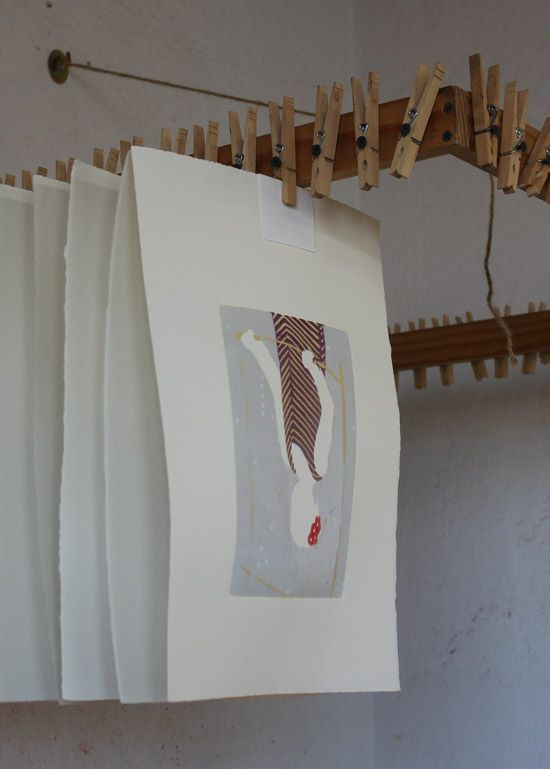 Ellen Heck: art and news from the inking glass - GREAT HANGING SYSTEM TO DRY PRINTS AND PAPERS