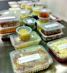 Dicas de congelamento e descongelamento de alimentos mais uma lista de comidinhas coringa para se ter no freezer.