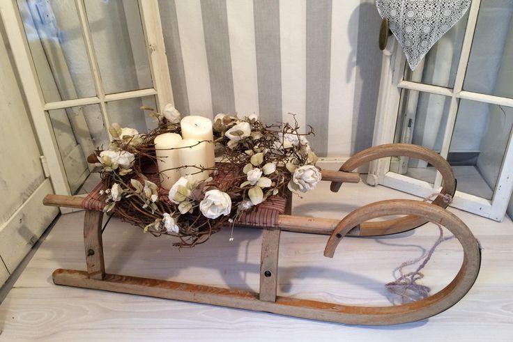 alter Holz-Schlitten mit Patina *Couchtisch*  von wünschensWERTes auf DaWanda.com