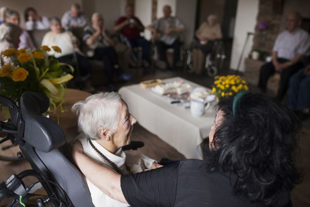 Dementia Researchers Call for G-8 to Focus on Prevention - Bloomberg