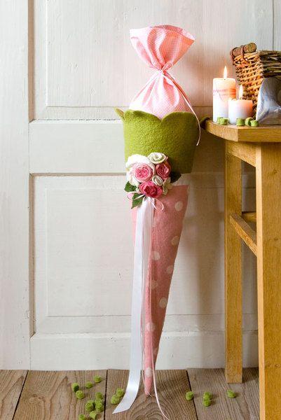 Schultüten - Schultüte Rosen aus Filz - ein Designerstück von Waschkueche bei DaWanda