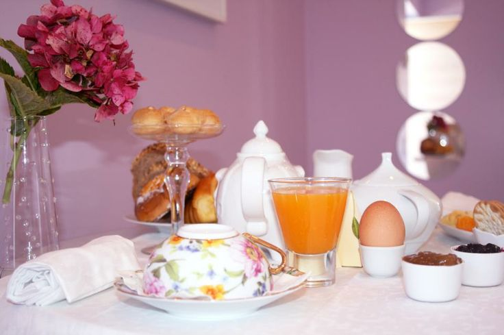Breakfast at Quinta dos Bons Cheiros Country Design B&B - Odrinhas /Sintra/Portugal