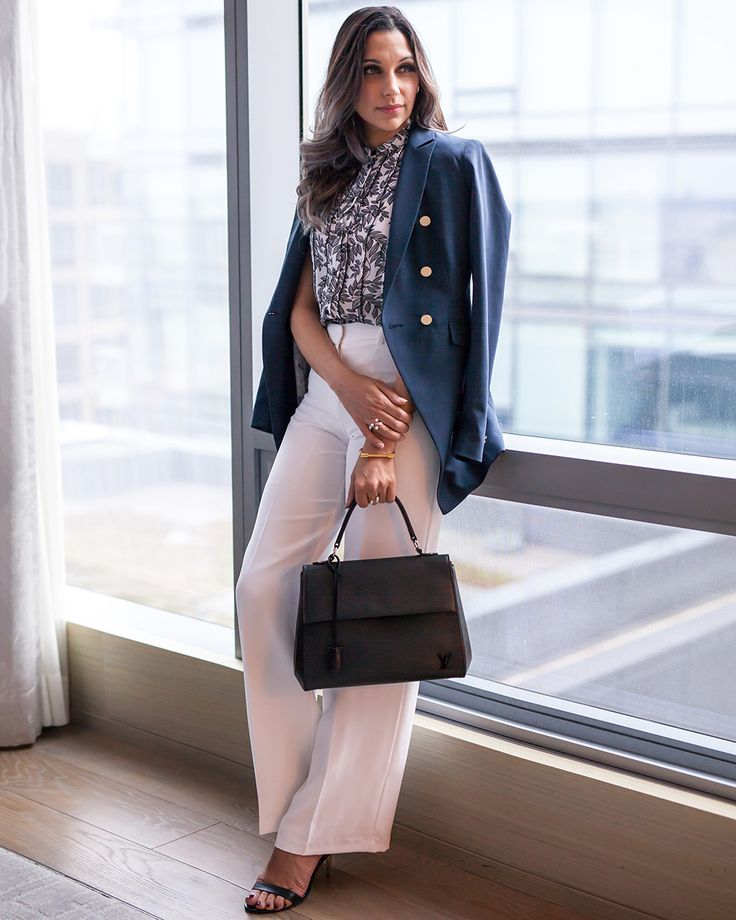 Office Chic with Tristan Style and the perfect wrinkle resistant Travel Blazer