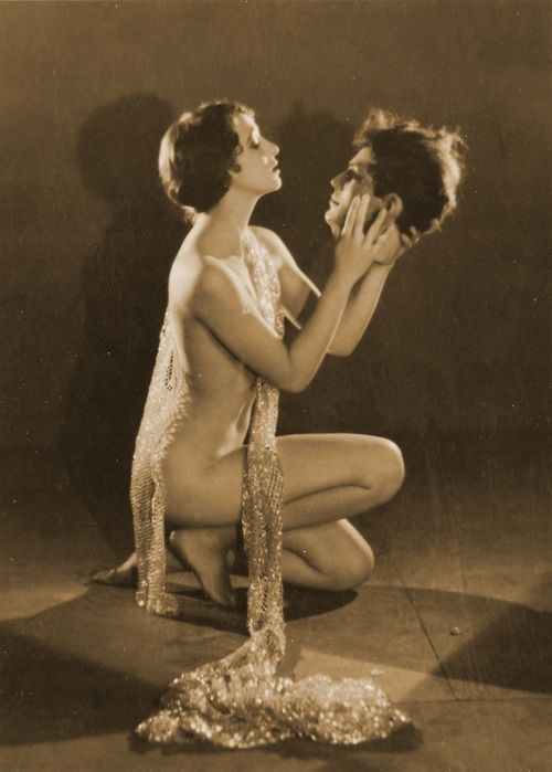 Kathryn Stanley as Salome (1926, photo by Edwin Hesser):