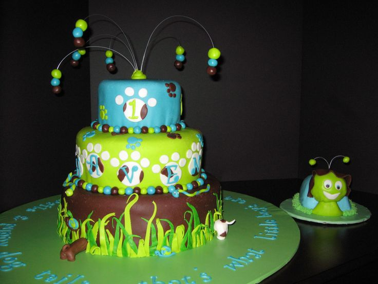 Snakes, snails & puppy dog tails! - that's what little boys are made of!  We did this one for my daughter's friend's little boy who is turning 1.  Confetti cake w/buttercream  fondant, key lime w/lime buttercream & fondant and confetti again on the top.  TFL!!