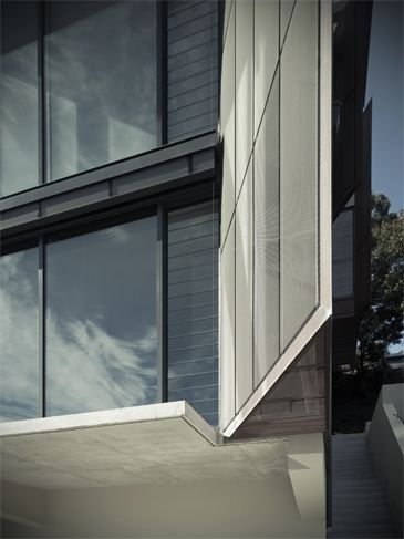 Clontarf Residence | Smith & Tzannes Architects | copper fin detail | concrete | glazing | louvre windows
