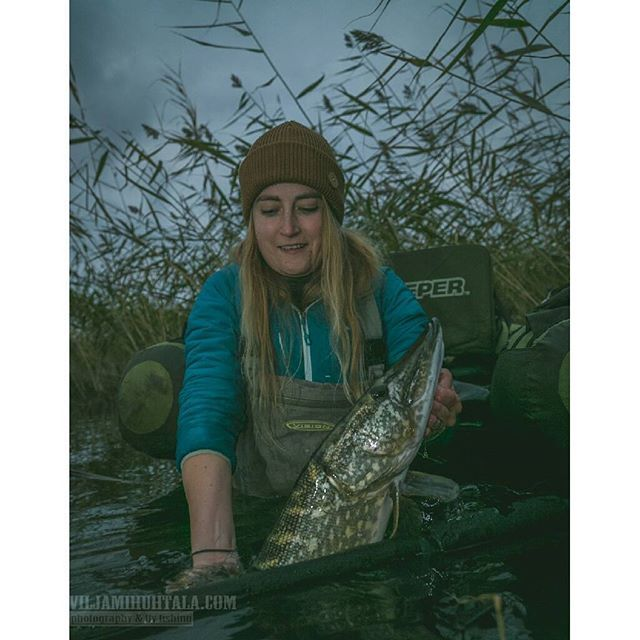 Fishing photography from Finland. Women that fish, coastal life. Simple living nature lifestyle.