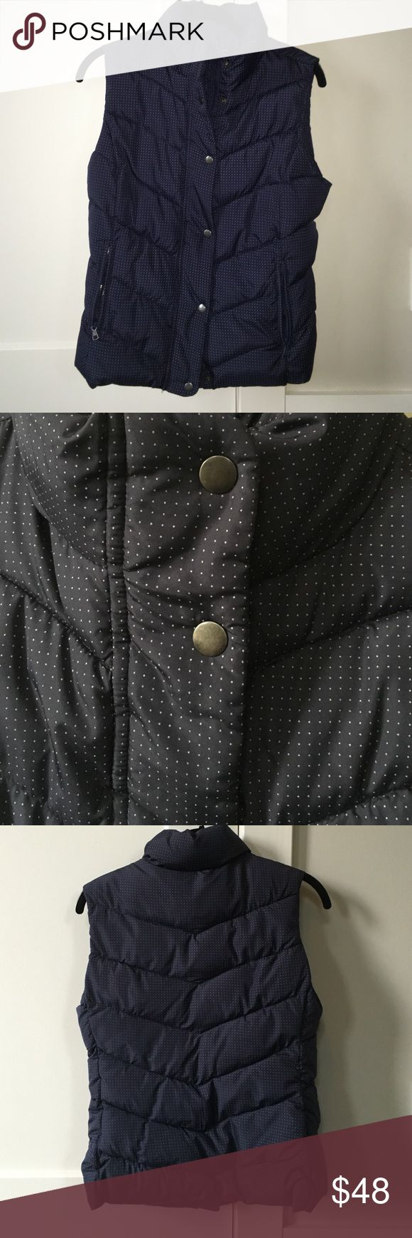 Gap polka dot vest Navy blue puffer best with tiny grey polka dots. Only worn a couple of times! GAP Jackets & Coats Vests