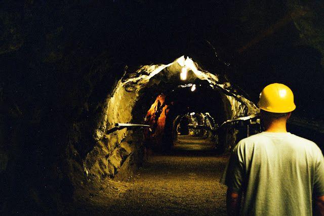 Outokummun vanhan kaivoksen alueella toimii kaivosmuseo ja kunnostetussa museotunnelissa pääsee tutustumaan kaivoshistoriaan sekä kaivosmiehen arkeen. #outokumpu #finland