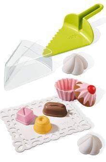 Ja heu vist les nostres propostes de joguines per a l'aire lliure? Qui es pot resistir a uns pastissets de sorra de platja o de jardí??? mmmm ;)  ¿Habéis visto ya nuestras propuestas de juguetes para el exterior? ¿Quién se puede resistir a unos pastelitos de arena de playa o jardín? mmm ;)