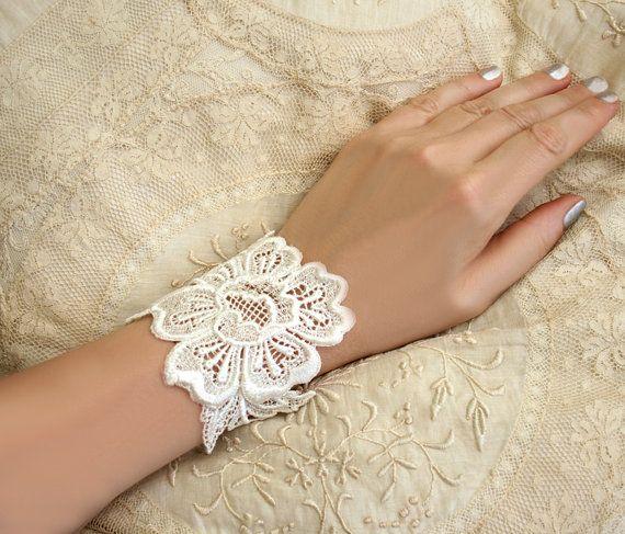 Bridesmaids?Dresses Lace, Soft Vintage Dresses, Lace Cuffs, Bracelets Cuffs, Rosa Vintage, Vintage Ivory, Cuffs Rosa, Lace Bracelets, Bridesmaid Gift