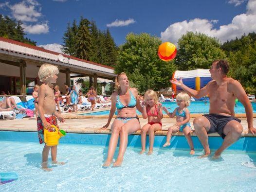 (zwembad nog nakijken!!!!)  Gekozen tot TOPcamping Camping Cheque 2014: Kawan Villages Kawan Village - Camping de Vaubarlet ****: bekijk camping Kawan Village - Camping de Vaubarlet **** in Auvergne bij Lyon - geschikt voor gehandicapten