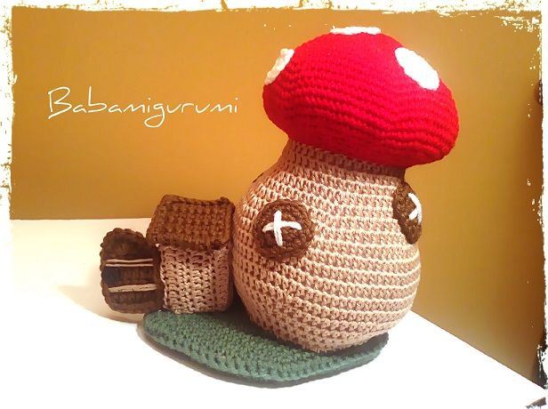 Crochet fairy tail mushroom house - free pattern