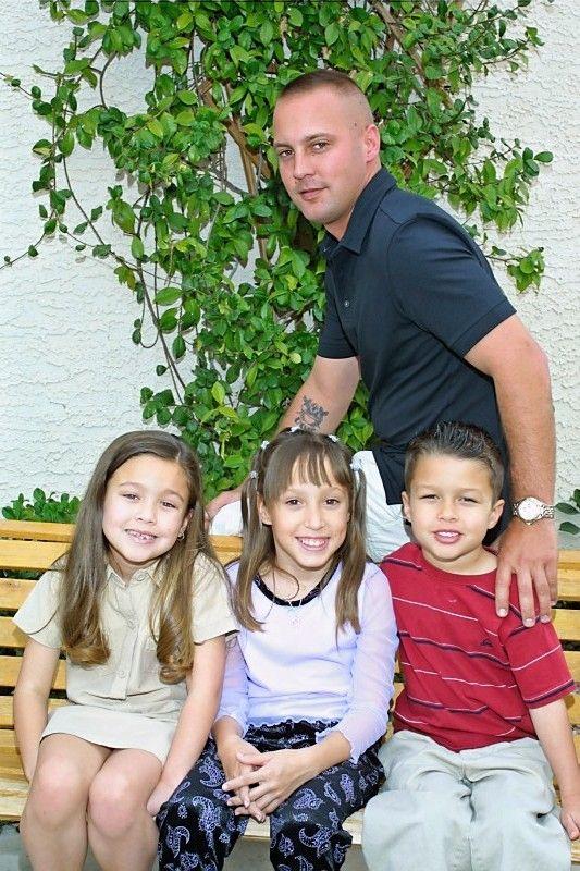 Cyndy's Son David with his children mackenzie, Chantel and Camron    2002