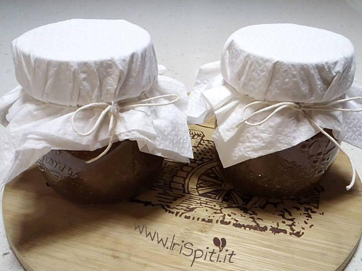 La ricetta tradizionale della marmellata di fichi senza l'aggiunta di alcun additivo. Un prodotto salutare e gustoso.