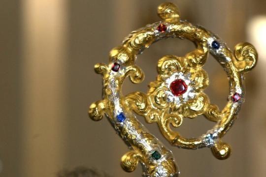 Audienz beim Papst: Wertvoller Hirtenstab für Erzbischof Marx ...