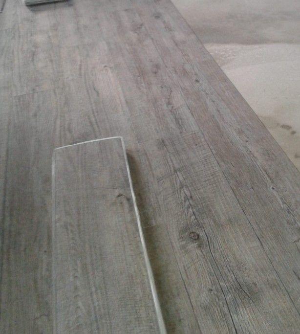 Pvc vloer - met noesten (idee/kleur voor in onze woonkamer)