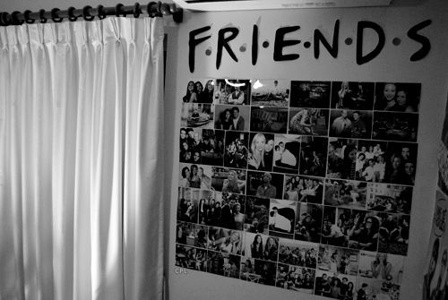 "Love the FRIENDS reference and font :) must do this for next year...maybe have the ""friends"" on my string of pictures!"
