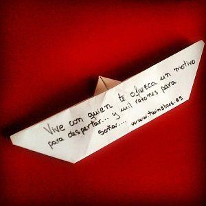 Barco de papel con frase romántica   Manualidades de amor ...