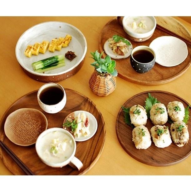 * 朝昼ごはん。 秋刀魚ごはんをおにぎりに。パセリがよく合う♡  #和moko定食 - @mokotto_moko- #webstagram