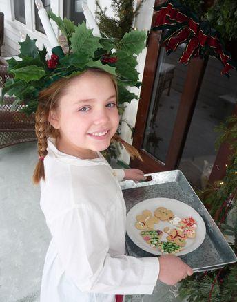 Dass die Italiener rund um Weihnachtenund Neujahr ein wenig andere Bräuche habenals die Deutschen, wisst ihr ja bereits: Am 6. Januar kommtstatt derHeiligen Drei Könige eine gute Hexe, und an Silvester sind rote Unterwäsche und LinsenPflicht statt Bleigießen und Fondue. Und während in der Toskana der 6. Dezember als Nikolaustag praktisch bedeutungslos ist, wird eine Woche später, alsoam13. Dezember, umso mehr gefeiert. Am 13.12. ist nämlich der Tag der Heiligen Lucia.  [caption id=...