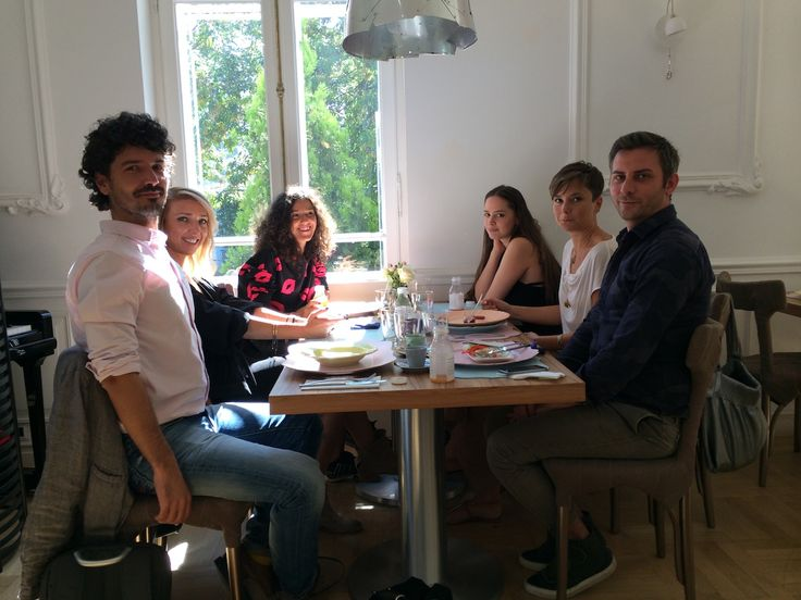 Breakfast at Iconic's. With people I know. From the left to the right: Dan Piersinaru (Autor), Miruna Micsan, Radiana Bratu, Diana Marasoiu (excelent journalists and stylists), Liana Vasilescu (Autor) and Ovidiu Buta (Fashion director GQ Romania, stylist and fashion judge). Location: www.iconic-fwd.ro