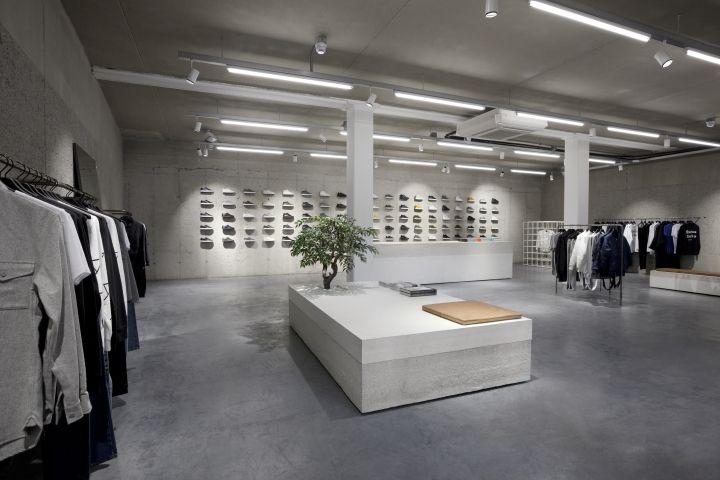 Etq flagship store by studiojosvandijk amsterdam for Interior design amsterdam