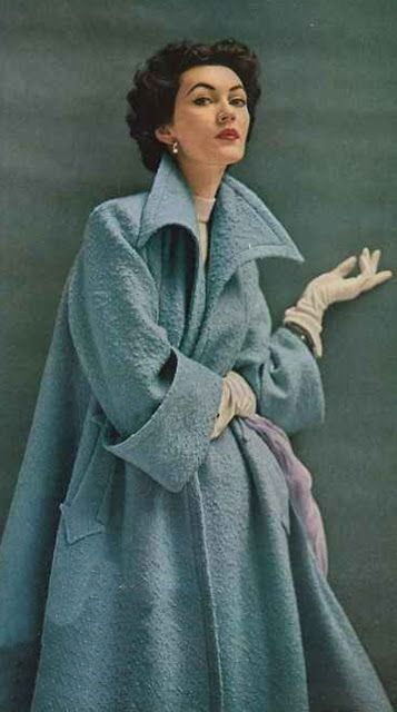 vintage everyday: Colorful Vinatge Photos of Beautiful Ladies in Their Coats in the 1950s