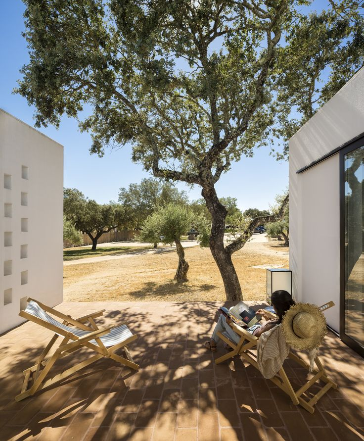 Ecork Hotel in Évora, Portugal | inspired by the Medieval villages of the Alentejo | white bungalows scattered among the olive trees | designed by José Carlos Cruz #architecture #interior_design #hotels #ek_magazine