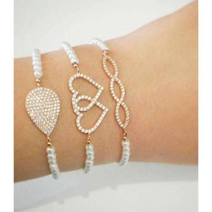 madamizmirZarif incili bilekliklerimiz ile güzel bir haftasonu dileriz #madamizmir #italyan #izmir #jewelry #inci #gümüştakı #queen #chic #photooftheday #fashion #fashionblogger #designerjewelery #like4like #likebacklike #fashionphotographer #jewelryphotographers #trendy #instaturkey #saturday #instamood #instafriends #instamoments #instajewelry #love #friends #stylish #angel #yüzük #brilliant #bileklik