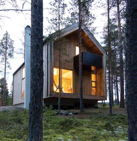 """Residential Architecture: Gunnar's House by Huus Og Heim Architecture: """"..preserv[ing] as much of the site's natural character as possible and build[ing] a house of wood, based on the traditional 6″ timber frame construction. On the basis of some fixed constraints, such as the level and size of the basement, the terrain falling to the south and that the developer wanted proximity to the forest, the building cantilevers beyond the foundation of both gable walls..""""  Wood, contextual…"""