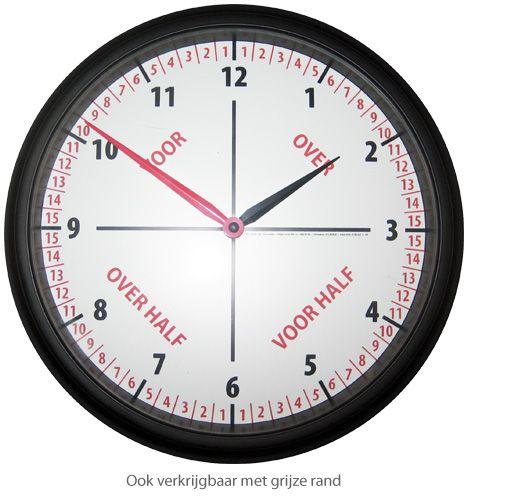 Een educatieve klok die het klokkijken voor kinderen een stuk eenvoudiger maakt. De klok gaat uit van een 3 stappen principe waarin het kind duidelijk, snel en begrijpelijk klok leert kijken.