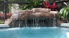 piscina pequeña gruta, estanques características del agua, diseños de la piscina