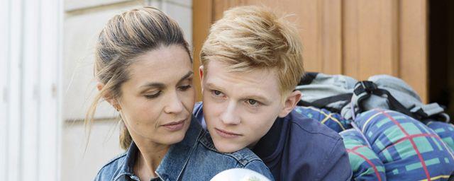La réalisatrice Léa Fazer signe Nadia, son troisième film pour France 2 dans lequel Barbara Schulz incarne une mère célibataire tout juste arrivée à Paris, devenue accro à la consommation. Le téléfilm...