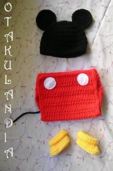 ¿Te gusta y quieres ver más? ¡Síguenos!: https://www.facebook.com/otakulandia.es/  Mickey Disfraz (Cosplay) realizado a mano en crochet para los más pequeñitos de la casa... ¡Perfecto para sus primeras fotos!