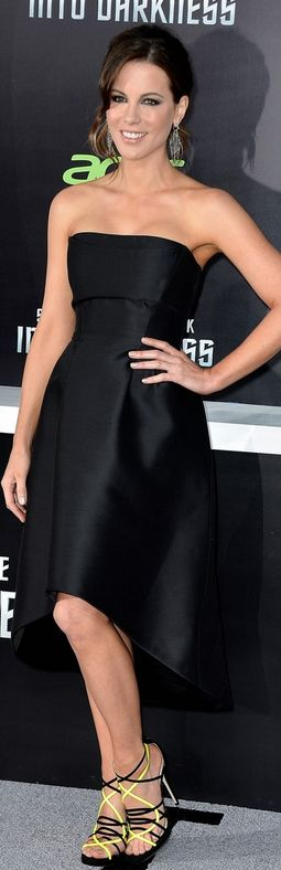 Who made  Kate Beckinsales black strapless dress, jewelry, and neon sandals that she wore in Hollywood  on May 14, 2013?