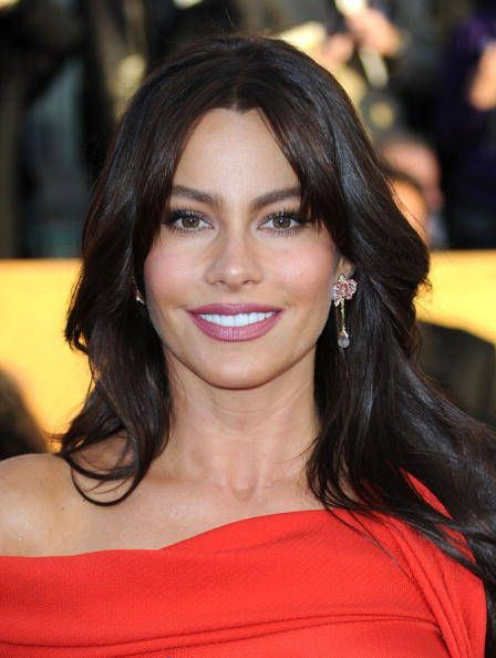 Sofia Vergara ABCs Modern Family features actress Sofia Vergara, a thyroid cancer survivor