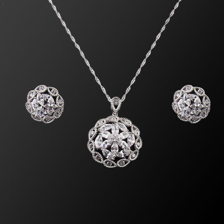 Kristal Papatya Set - Avusturya kristali - Swarovski taşlar - Beyaz Altın kaplama - Aksesuar - Set - Dalya Takı Austrian Crystal - Swarovski stones - Accessory - Jewellery Set - Bridal - Royal - Glamorous - Crystal Daisy