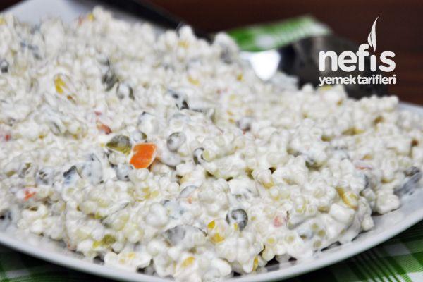 Garnitürlü Kuskus Salatası Tarifi nasıl yapılır? 12.320 kişinin defterindeki bu tarifin resimli anlatımı ve deneyenlerin fotoğrafları burada. Yazar: Elif Atalar