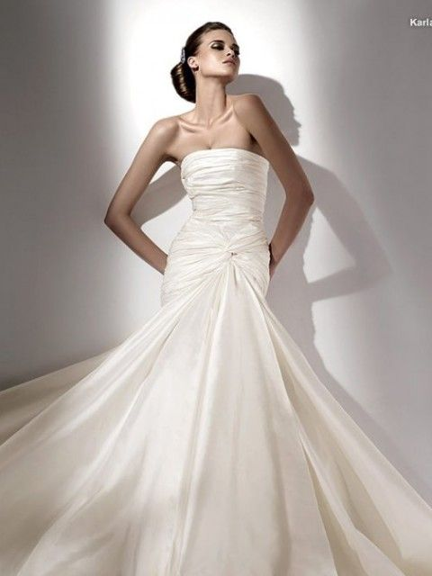 designer wedding dress agency in london offering the most esquisite worn once wedding dresses at affordable prices